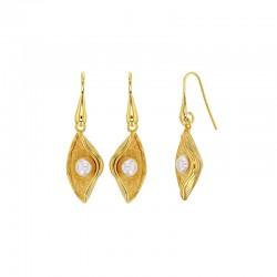 Boucles d'oreilles coquillages en argent 925/1000 doré orné d'une perle synthétique
